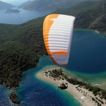 corfu-hotel-paragliding-on-the-sea